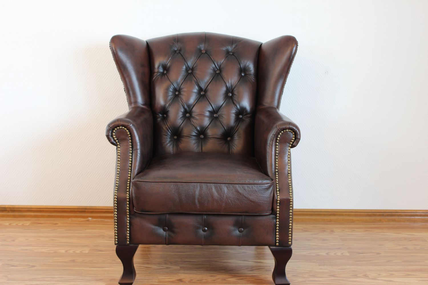 Lord II - Wingchair Exclusive i gruppen Chesterfield / Chesterfield fåtöljer hos HolyHome (MO15001OLD)